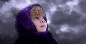 meisje regen wolken