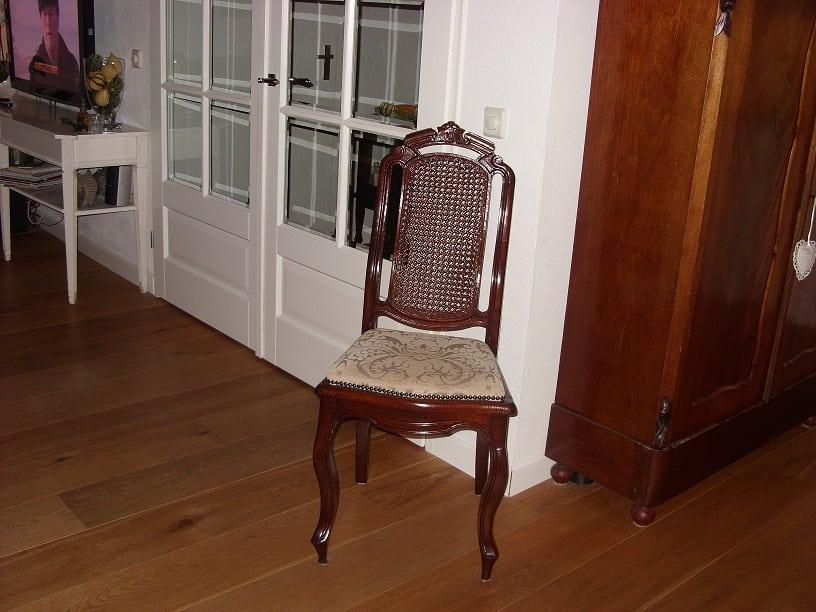 Eetkamer eetkamerstoelen notenhout beelden : SeniorPlaza | Klasieke eetk. stoelen