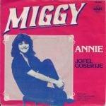Annie hou jij me tassie effe vast