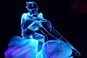 winter ijssculptuur peter pan