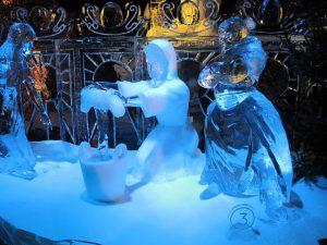 winter ijssculptuur vrouwen