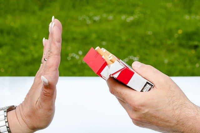 roken sigaret hand